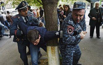 Ermənistanda polislə toqquşmalar – 13 nəfər xəsarət aldı