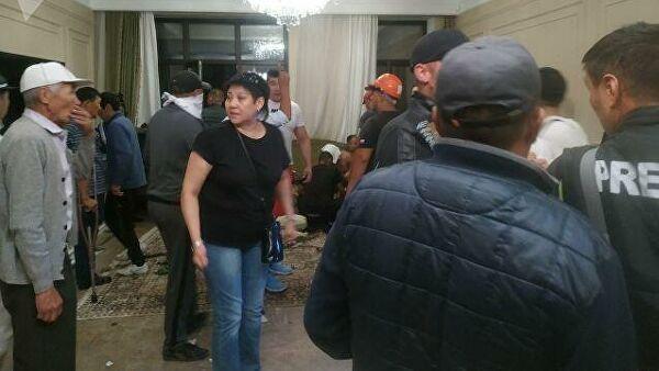 Atambayevin iqamətgahı yaxınlığında keçirilən əməliyyat zamanı 43 nəfər yaralanıb, 1 xüsusi təyinatlı ölüb – Foto, video