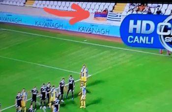"""Kiprdə Azərbaycana qarşı növbəti təxribat – """"Qarabağ""""ın oyununda erməni bay ..."""