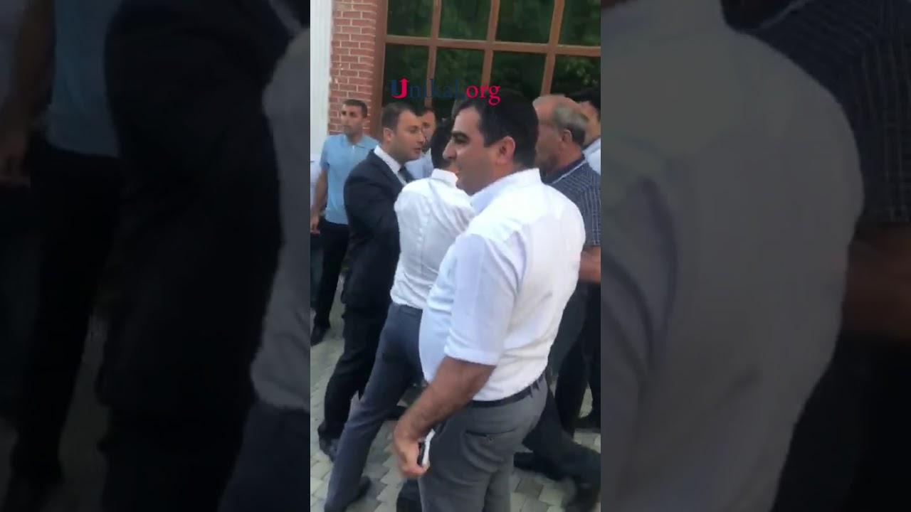 """Deputat """"razborka""""ya görə tutulan oğlunu həbsdən çıxartdırmaq istəyir"""