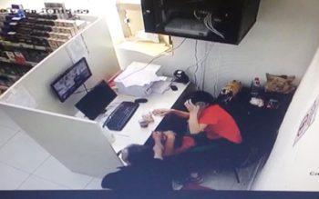 Bakıda kişi eks-arvadının ofisinə gəlib ona hücum etdi – Fotolar