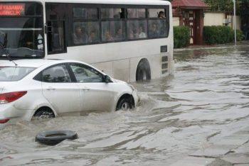 Bakı yağışdan sonra: ənənəvi problemlər – VİDEO