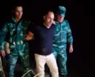 Azərbaycan sərhədində ŞOK – Hərbçini bıçaqlayan şəxsi belə tutdular – VİDEO