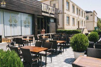 Bakıdakı məşhur restorana ittiham: Menyuda aşağı qiymət yazırlar, hesab gələndə isə…