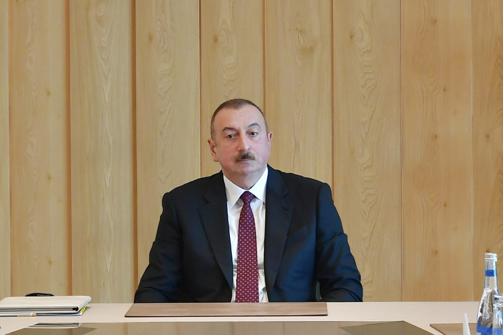 Prezident bu universitetin rektorunu vəzifəsindən azad etdi – YENİ TƏYİNAT