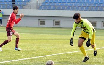 Azərbaycan futbolunda biabırçı oyun – Qapıçı qəsdən topu öz qapısına vurdu – VİDEO
